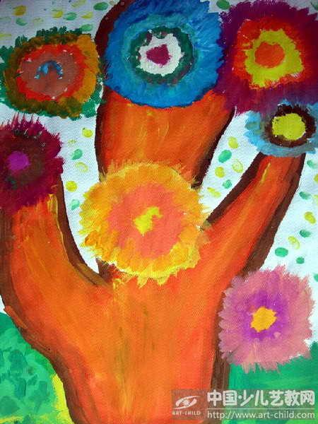 作品名称:  《七彩太阳树》